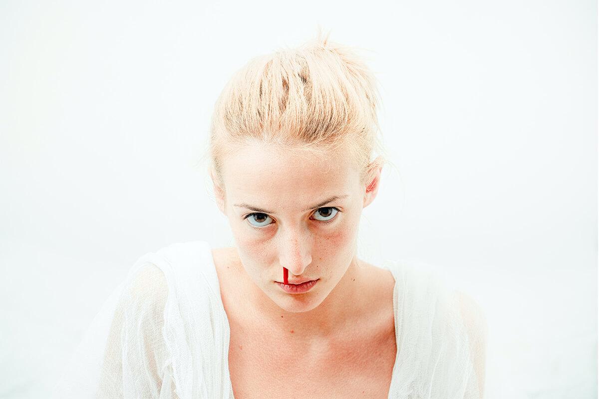 Hur gör du om någon blöder näsblod - barn och vuxna